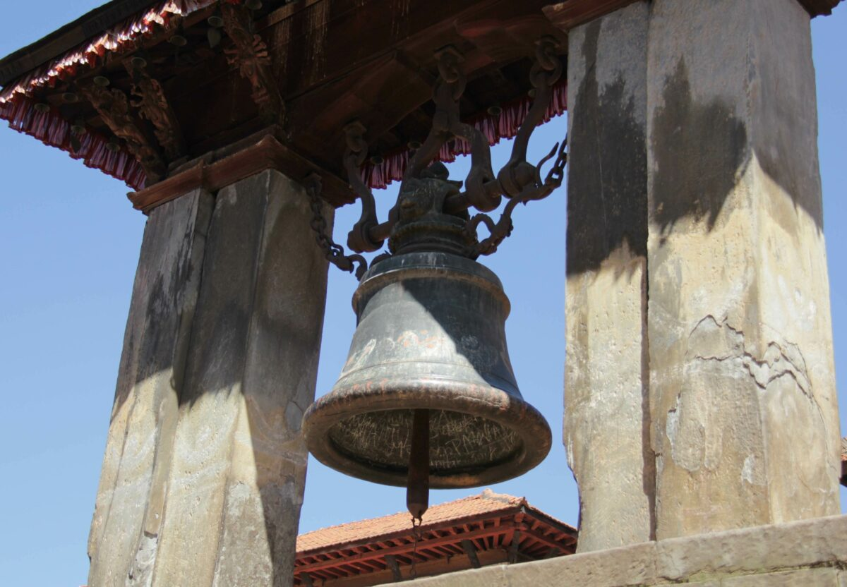 De zware bel; Het verhaal achter de traditie