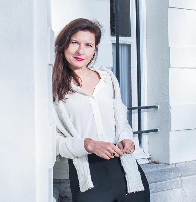 Interview met schrijfster Pia de Jong